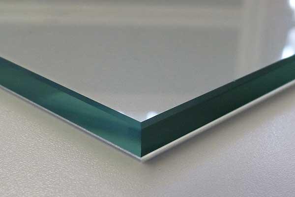 Glasplatten ESG 8mm Kanten geschliffen und poliert biege- und sto/ßbelastbar. 500 x 1100 mm Ecken gesto/ßen Nach Ma/ß bis 50 x 110 cm klar durchsichtig Einscheibensicherheitsglas nach DIN