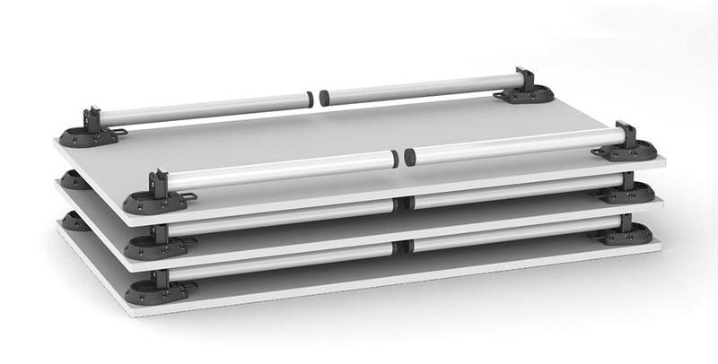 Platzsparend und stapelbar - Tischplatten mit eingeklappten Tischbeinen