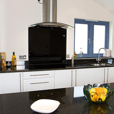Küchenrückwand Aluverbund schwarz