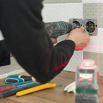 Küchenrückwand Glas befestigen