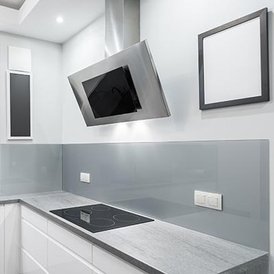 Farbige Küchenrückwand mit Safe-Folie